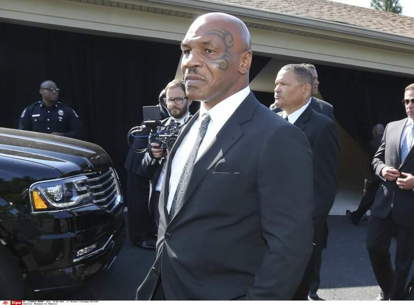 Le boxeur Mike Tyson était lui aussi du cortège funéraire