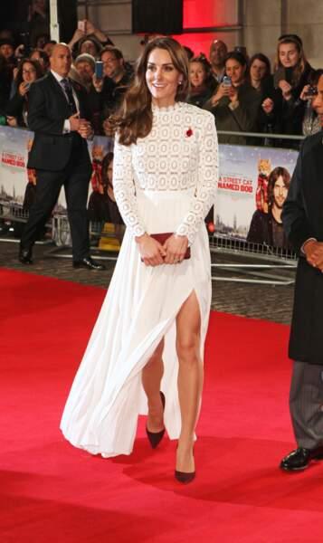 """Kate Middleton à l'avant-première du film """"A Street Cat Named Bob"""" à Londres le 3 novembre 2016"""