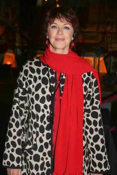 Anny Duperey a participé au défilé des Pères Noël Verts du Secours Populaire.
