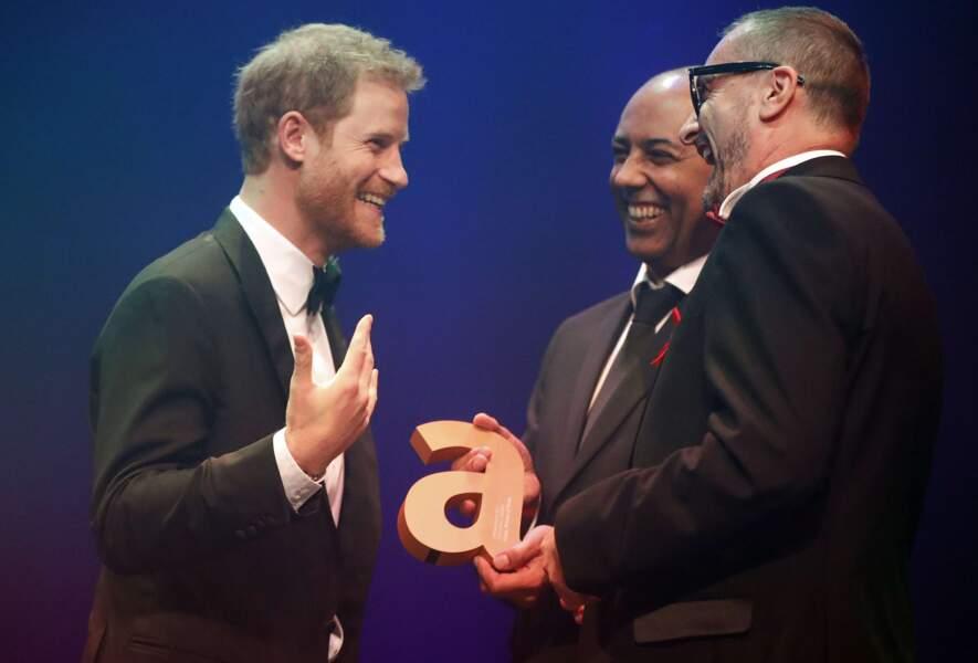 Harry a rappelé l'important travail de Lady Diana pour déstigmatiser les malades atteints du virus du Sida.