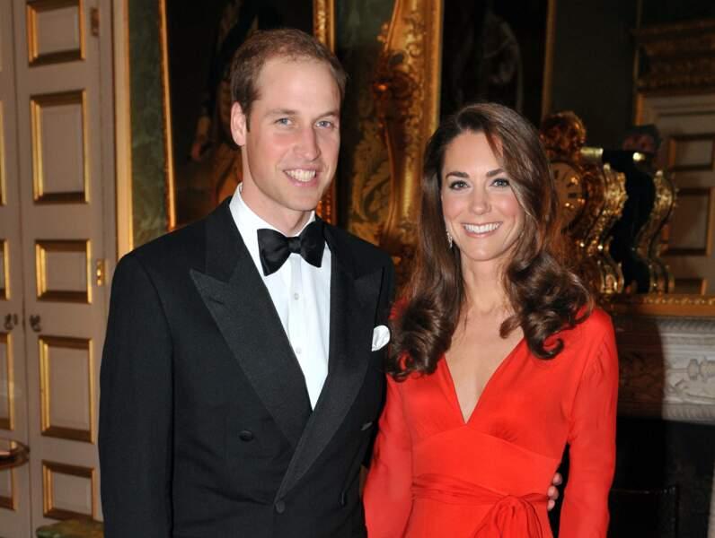 William et Kate, resplendissant lors d'un dîner de charité au palais Saint James à Londres, le 14 octobre 2011