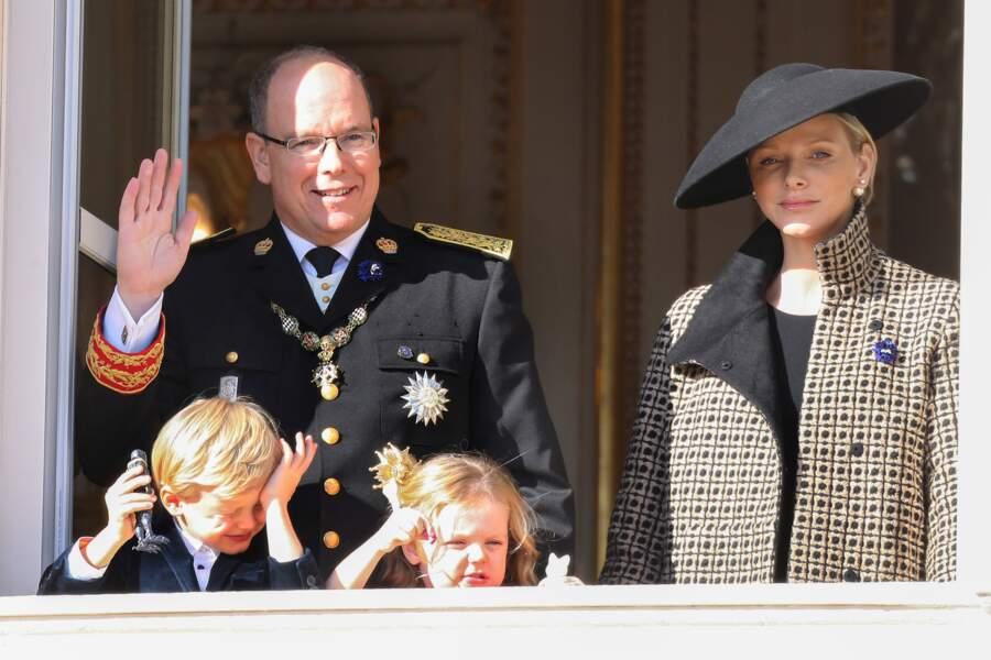 Albert de Monaco avec Charlène et les jumeaux, une famille chic et royale