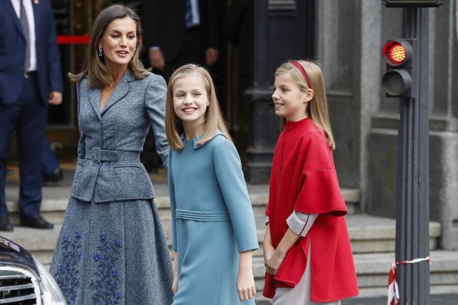 La reine Letizia accompagnée de ses filles Leonor et Sofia lors du congrés de Madrid le 31 octobre 2018