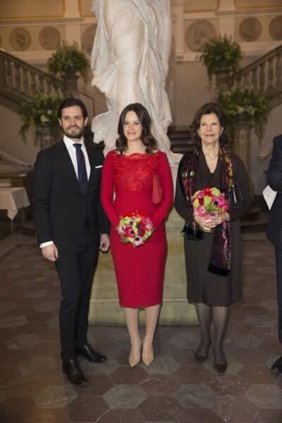 Le prince Carl-Philip de Suède, la princesse Sofia enceinte de 7 mois et la reine Silvia