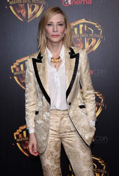 Cate Blanchett, en costume doré à la soirée Warner Bros CinemaCon 2018 à Las Vegas, le 24 avril 2018