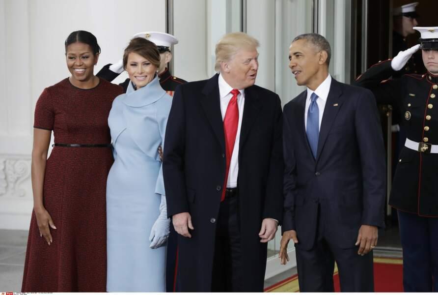 L'ancien couple présidentiel et le nouveau prennent la pose