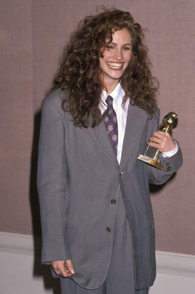 """Elle remporte le Golden Globe de la meilleur actrice pour le film """"Potins de Femmes"""", en 1990"""