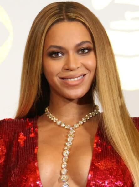 Les cheveux parfaitement lisses comme Beyoncé