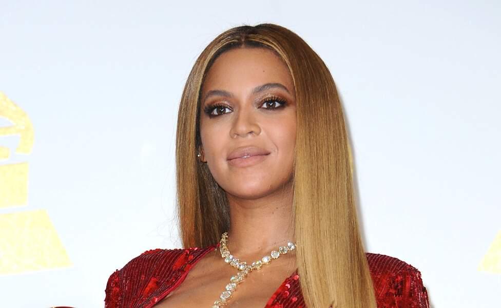 Beyoncé et ses cheveux ultra raides