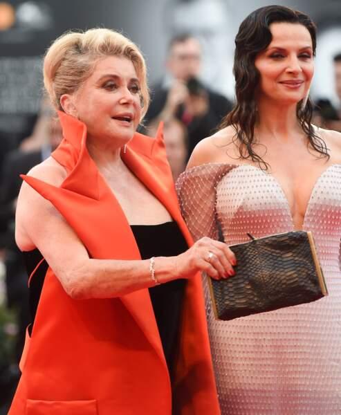 Juliette Binoche et Catherine Deneuve étaient toutes les deux très élégantes ce 28 août