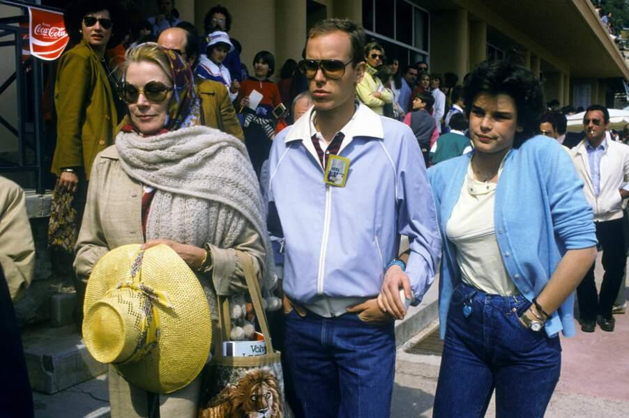 Grace de Monaco, Albert et Stéphanie au tournoi de tennis de Monte Carlo, en 1982