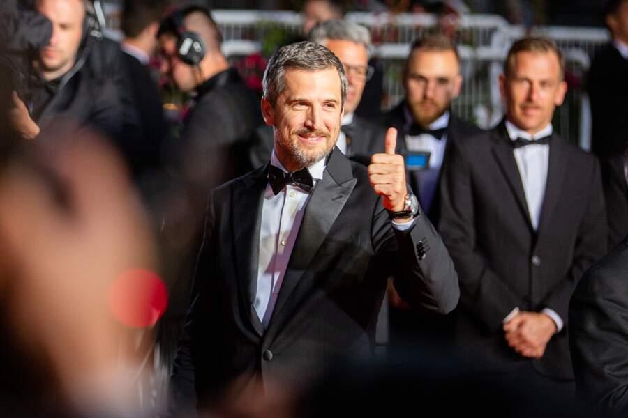 """Guillaume Canet en costume Armani lors de la montée des marches de """"La Belle Epoque"""" à Cannes le 20 mai 2019"""