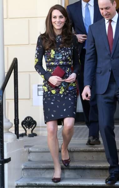 La duchesse de Cambridge radieuse au sortir de son meeting avec l'association Heads Together