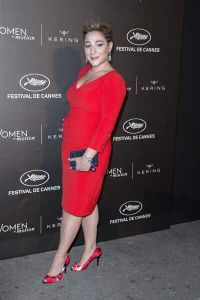 """En robe rouge pour la remise du prix Kering """"Women in Motion"""" au Festival de Cannes en 2015"""