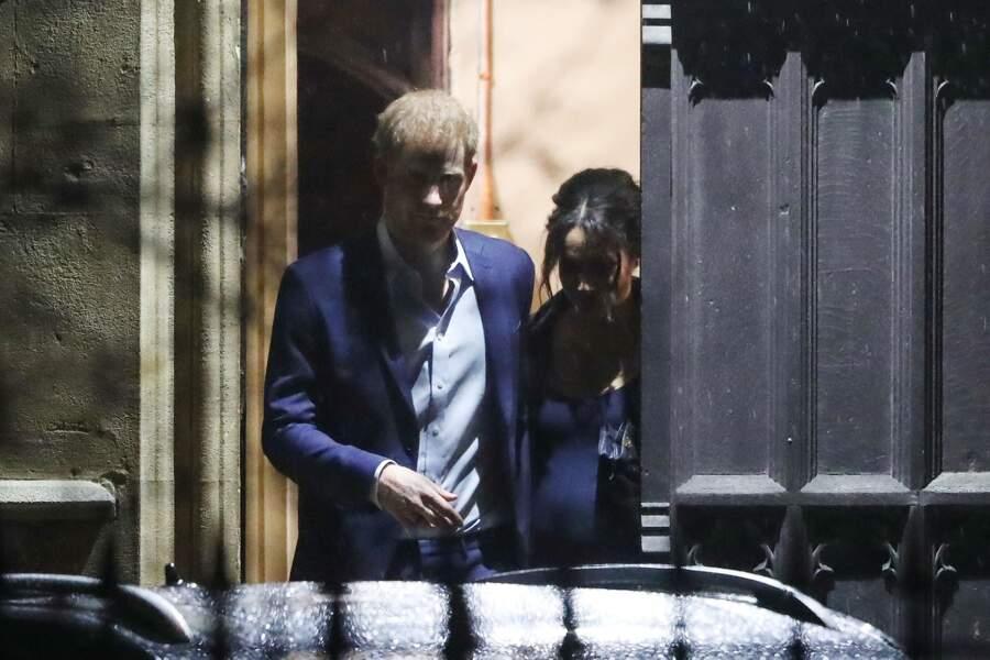 Sortie discrète du prince Harry et de Meghan Markle, après l'office en l'église St Luke