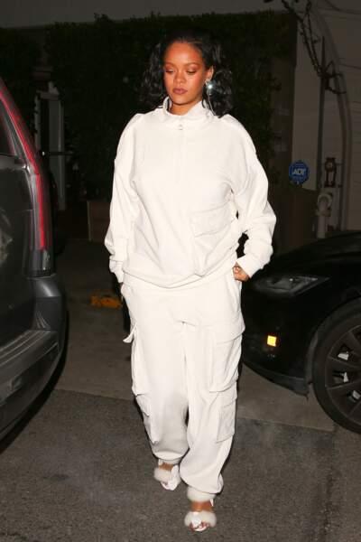 Rihanna aime les tenues sportswear comme celle-ci portée le  5 février 2019.