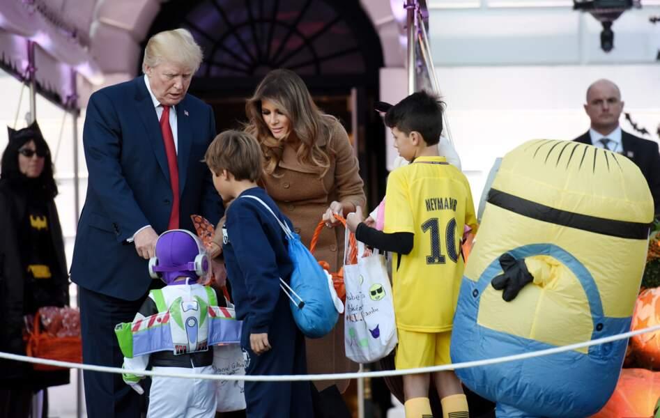 Pour Donald et Melania Trump, les enfants ont mis leurs plus beaux costumes