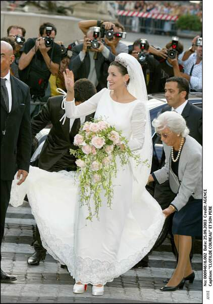 Clotide Coureau (en Valentino) lors de son mariage avec Emmanuel Philibert de Savoie à Rome le 25 septembre 2003