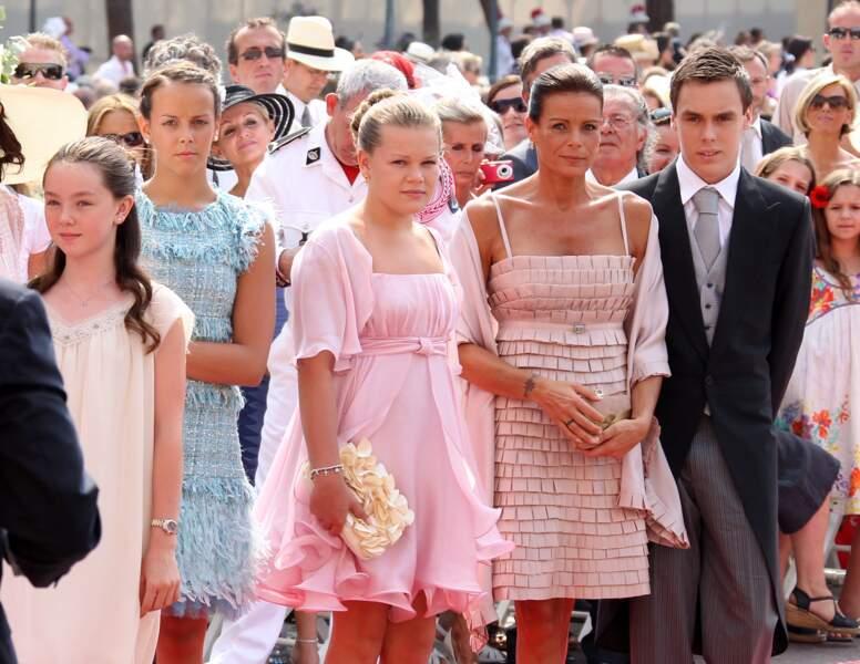 Alexandra de Hanovre, Stéphanie, Louis, Pauline et Camille lors du mariage d'Albert et Charlène de Monaco en 2011