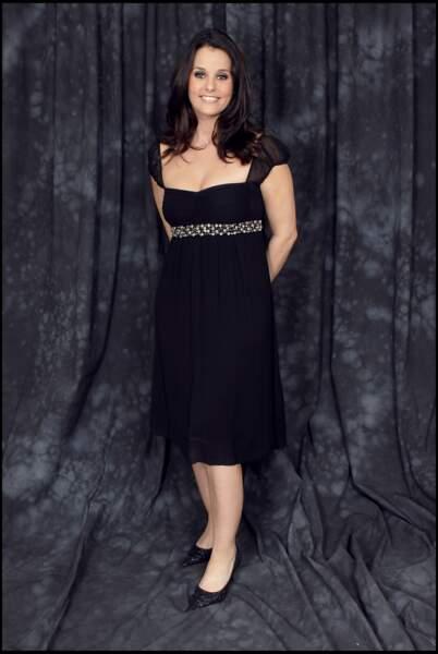 Faustine Bollaert adopte la petite robe noire le 7 décembre 2006