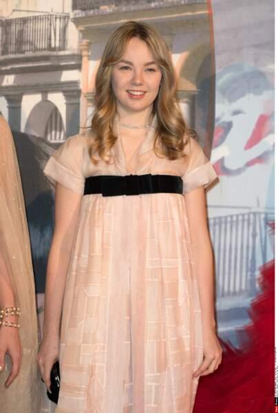 La jeune princesse Alexandra de Hanovre semble ravie d'assister à la soirée