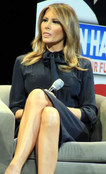 Grâce à la mode, Melania Trump s'affirme de plus en plus et s'adresse même directement à son mari, Donald Trump