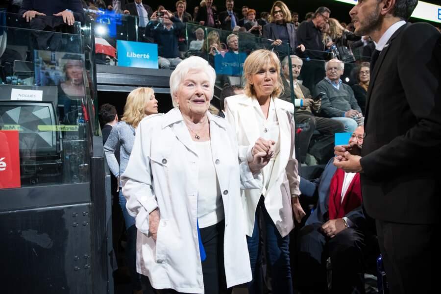 Line Renaud et Brigitte Trogneux (Macron) le 17 avril 2017 à l'AccorHotels Arena