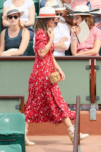 Pippa Middleton se promène à Roland-Garros