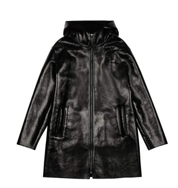 Black, ciré noir, 230 € (Caroll).