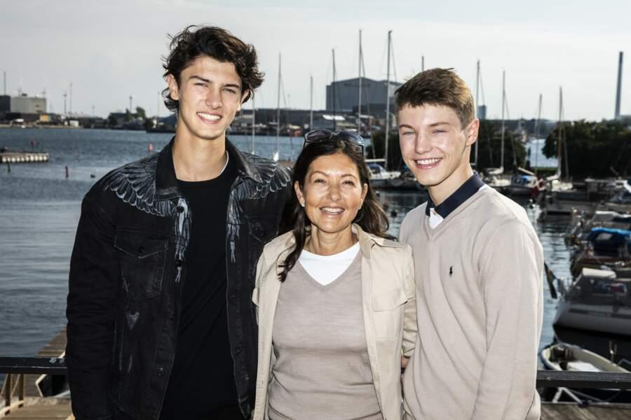 Nikolai est très proche de son frère le prince Felix
