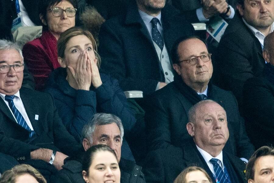 Julie Gayet vit le match aux côtés de François Hollande