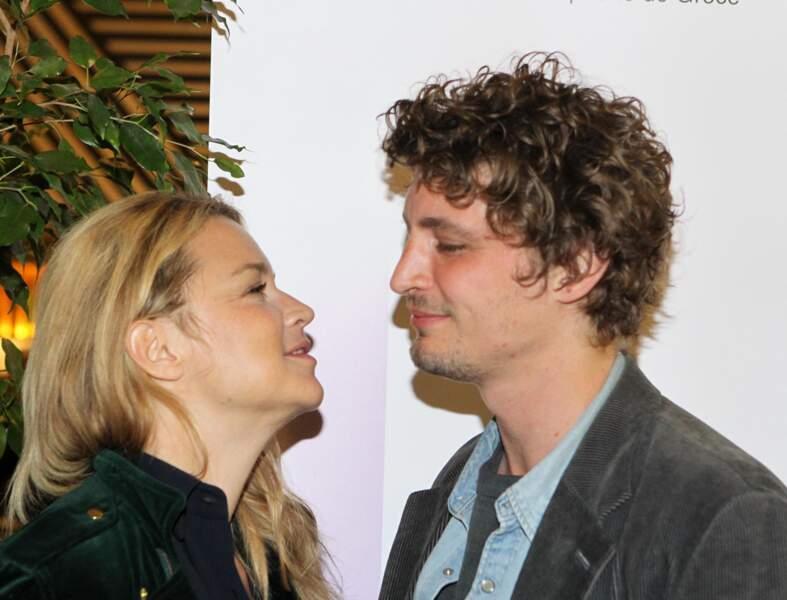 Virginie Efira au bras de Niels Schneider lors du festival du cinéma francophone en Grèce, le 6 avril 2019