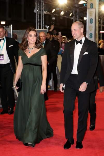 Kate Middleton en robe verte aux côtés de son mari le prince William