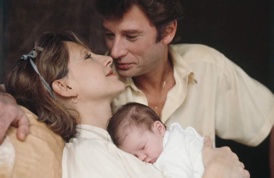 Nathalie Baye et Johnny Hallyday, à la naissance de Laura, en 1983
