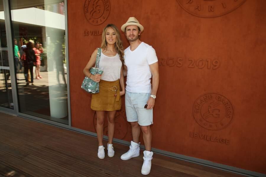Elodie Fontan et Philippe Lacheau ont posé en amoureux pour les photographes présents à Roland Garros