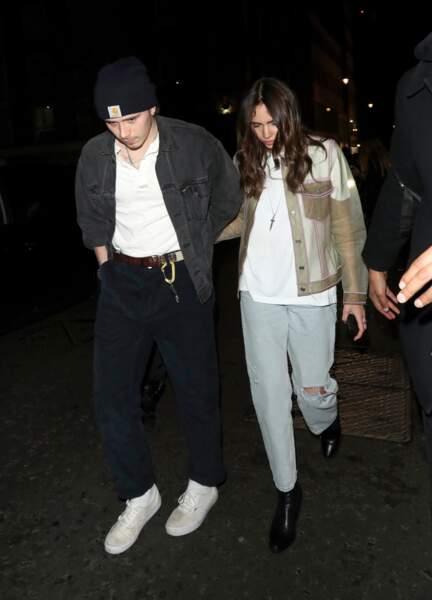Brooklyn Beckham et sa compagne Hana Cross dans un style très grungy à Londres le 4 avril 2019.