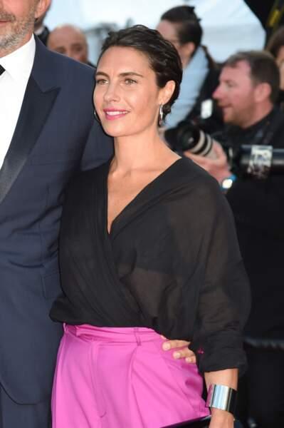 Alessandra Sublet et ses cheveux courts effet torsadé, à Cannes en 2018