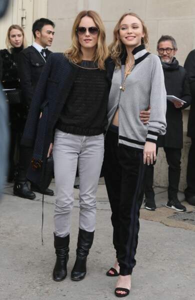 2017 : Vanessa Paradis et Lily-Rose Depp : même couleur de cheveux, mêmes pommettes hautes