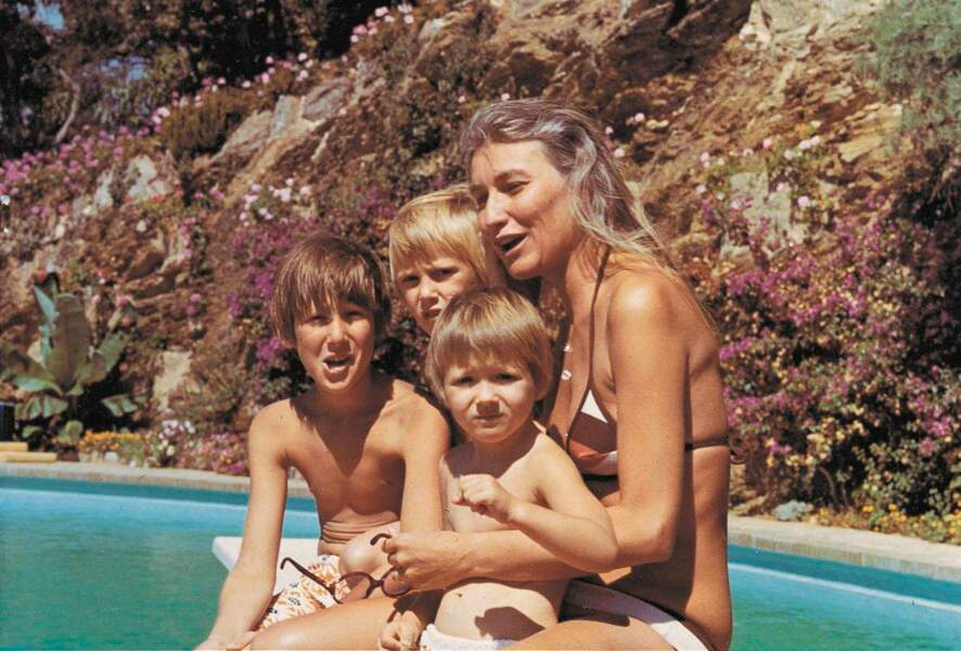 Marisa avec ses trois enfants