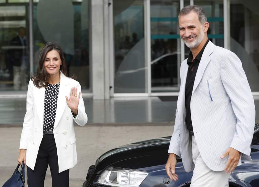 Le roi Felipe et son épouse Letizia rendent visite au roi Juan Carlos, le 25 août, à Madrid.
