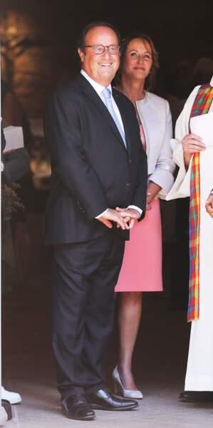 Ségolène Royal et François Hollande à la sortie de l'église de Meyssac lors du mariage de Thomas Hollande.