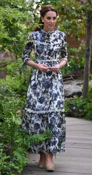 Kate Middleton en total look bohème entre une robe Erdem et coiffure hippie chic