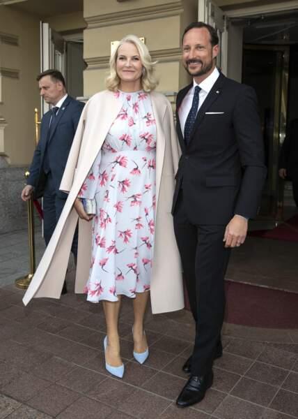 Mette-Marit et Haakon de Norvège en visite à Vilnius, le 24 avril 2018