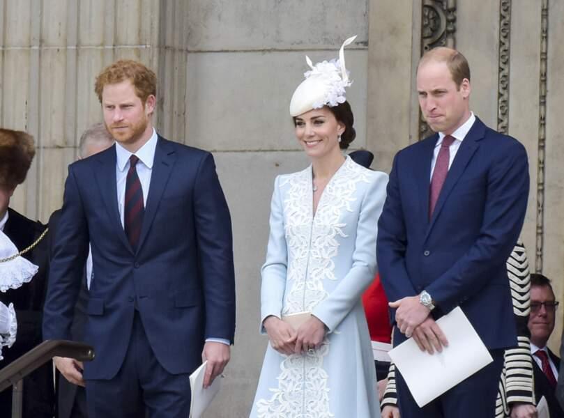 Le prince Harry, son frère William et son épouse Kate