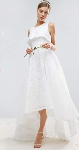Asos Bridal - Robe longue en dentelle à superposition courte (243,99 euros)