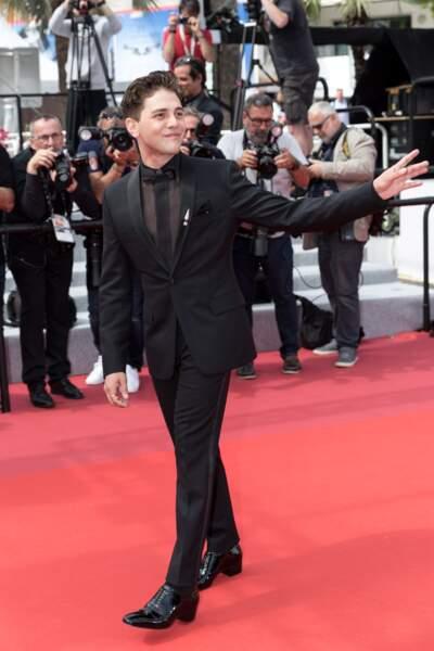"""Xavier Dolan très élégant en costume Dior, présente son film """"Matthias et Maxime"""" le 22 mai 2019 à Cannes"""