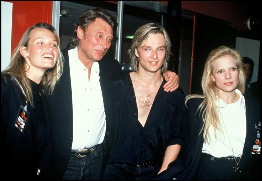 Estelle Lefebure, Johnny Hallyday, David Hallyday et Sylvie Vartan sur la tournée de David en 1991