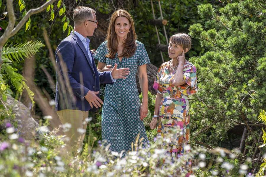 Kate Middleton sublime en robe décolletée signée Sandro et soldée