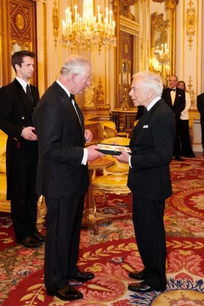 Le 19 juin 2019, Ralph Lauren reçoit le titre de Chevalier honoraire du Royaume-Uni des mains du prince Charles