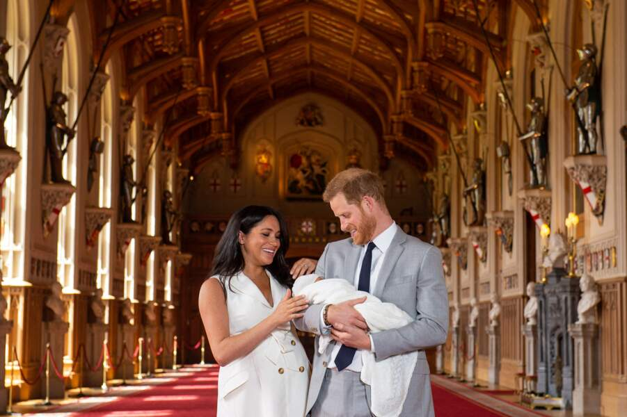 Le duc et la duchesse de Sussex leur bébé dans les bras